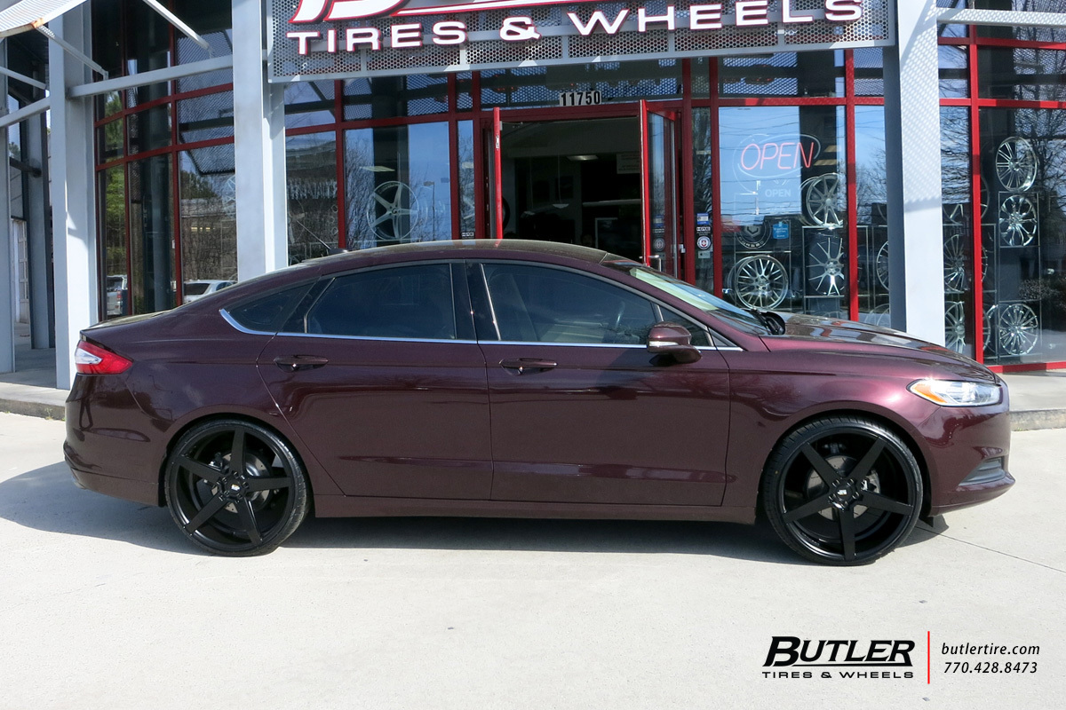 Ford Focus with 22in Savini BM11 Wheels