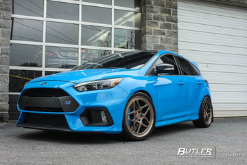 Ford Focus RS with 19in Vossen LC104 Wheels