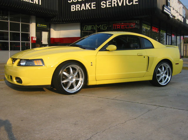 Ford Mustang with 20in Axis Se7en Mod Wheels