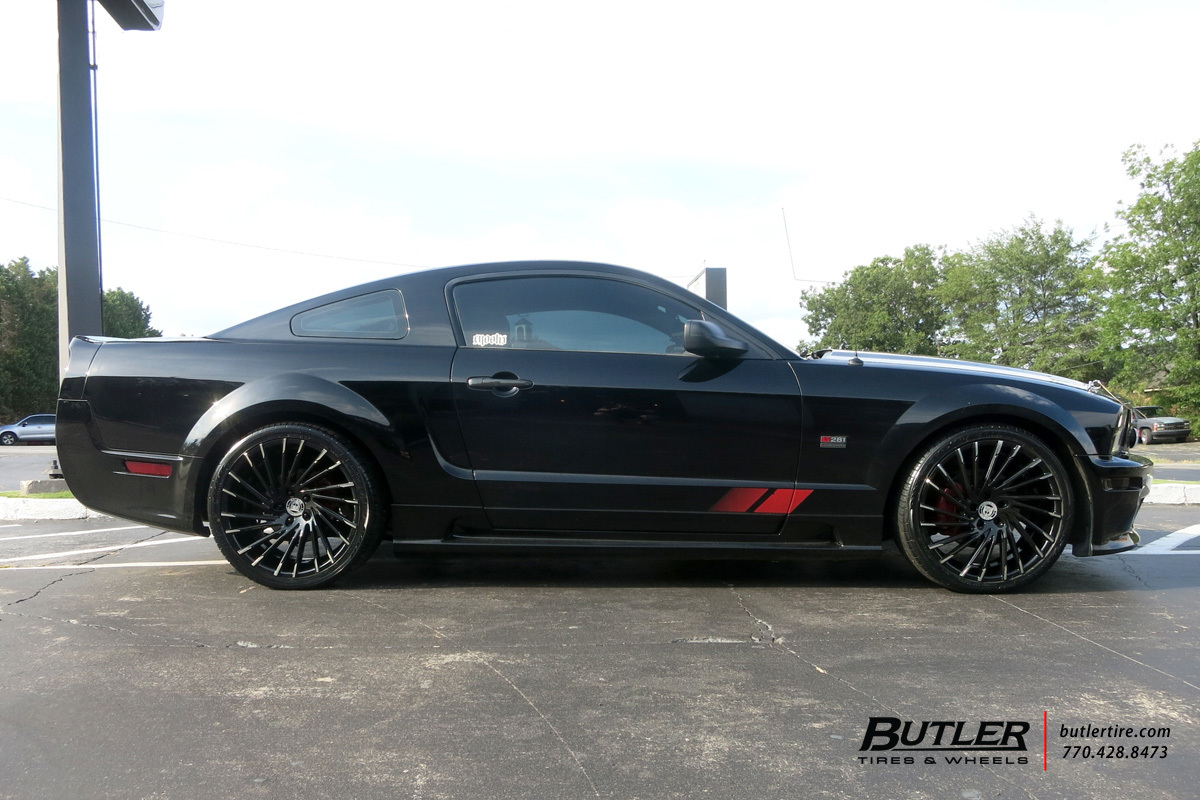 Ford Mustang with 20in Lexani Wraith Wheels