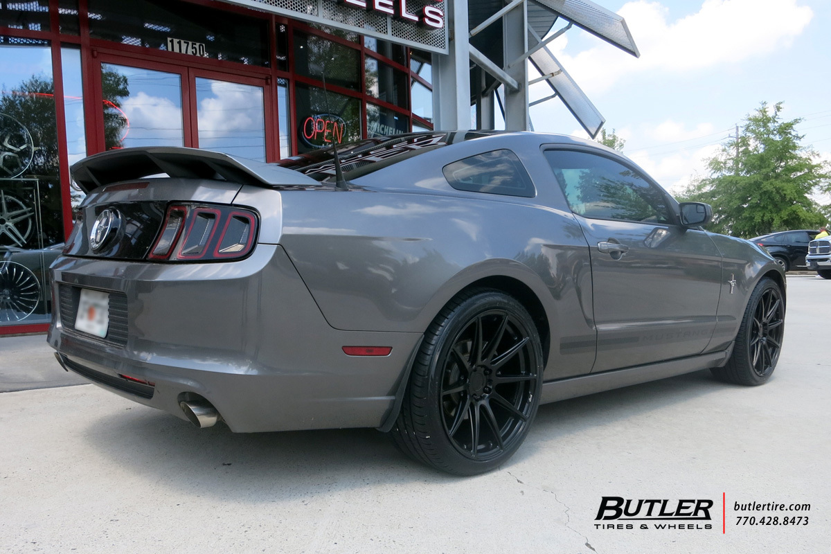 ford mustang with 20in niche essen wheels exclusively from butler tires and wheels in atlanta. Black Bedroom Furniture Sets. Home Design Ideas
