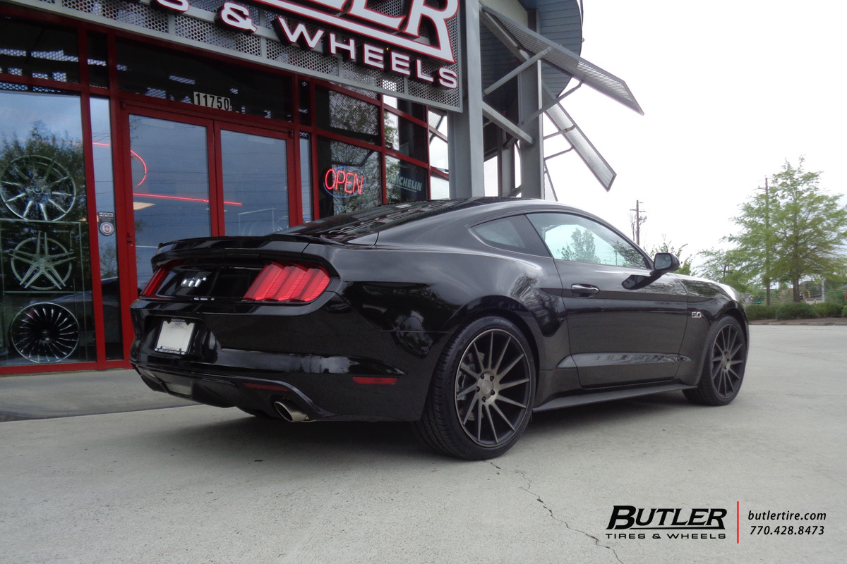Ford Mustang with 20in Niche Surge Wheels