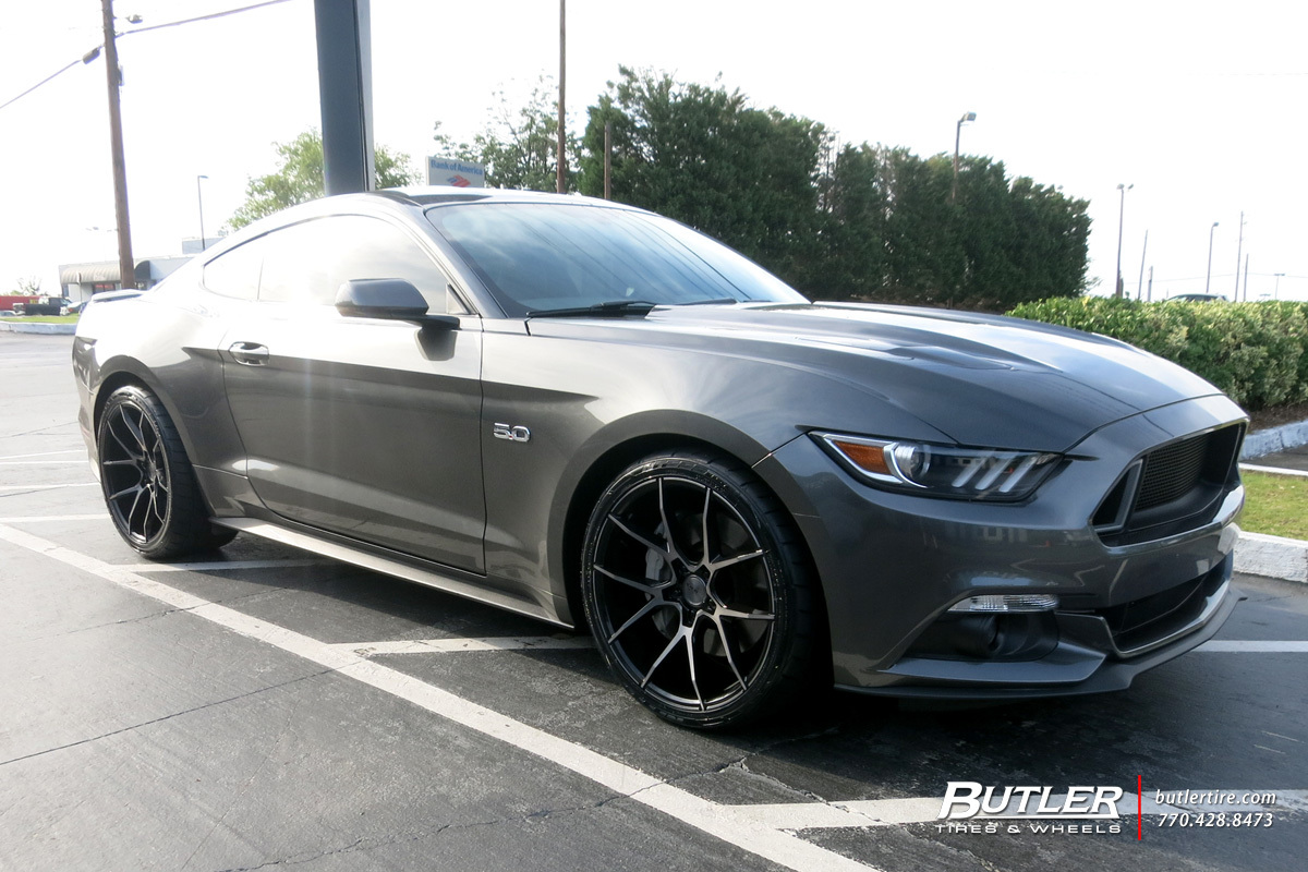 Ford Mustang with 20in Savini BM14 Wheels