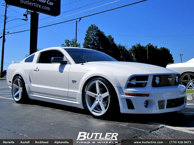Ford Mustang with 20in Vossen CV3 Wheels