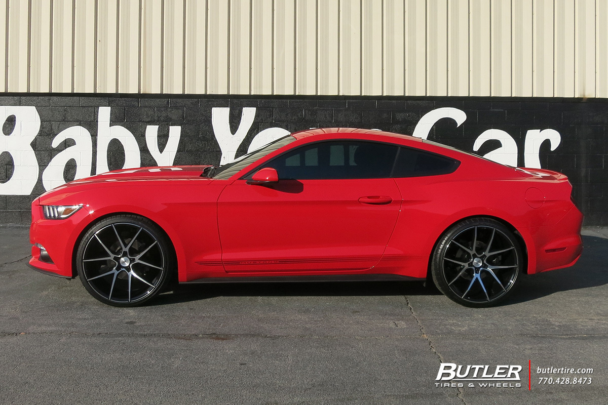 Ford Mustang with 22in Savini BM14 Wheels
