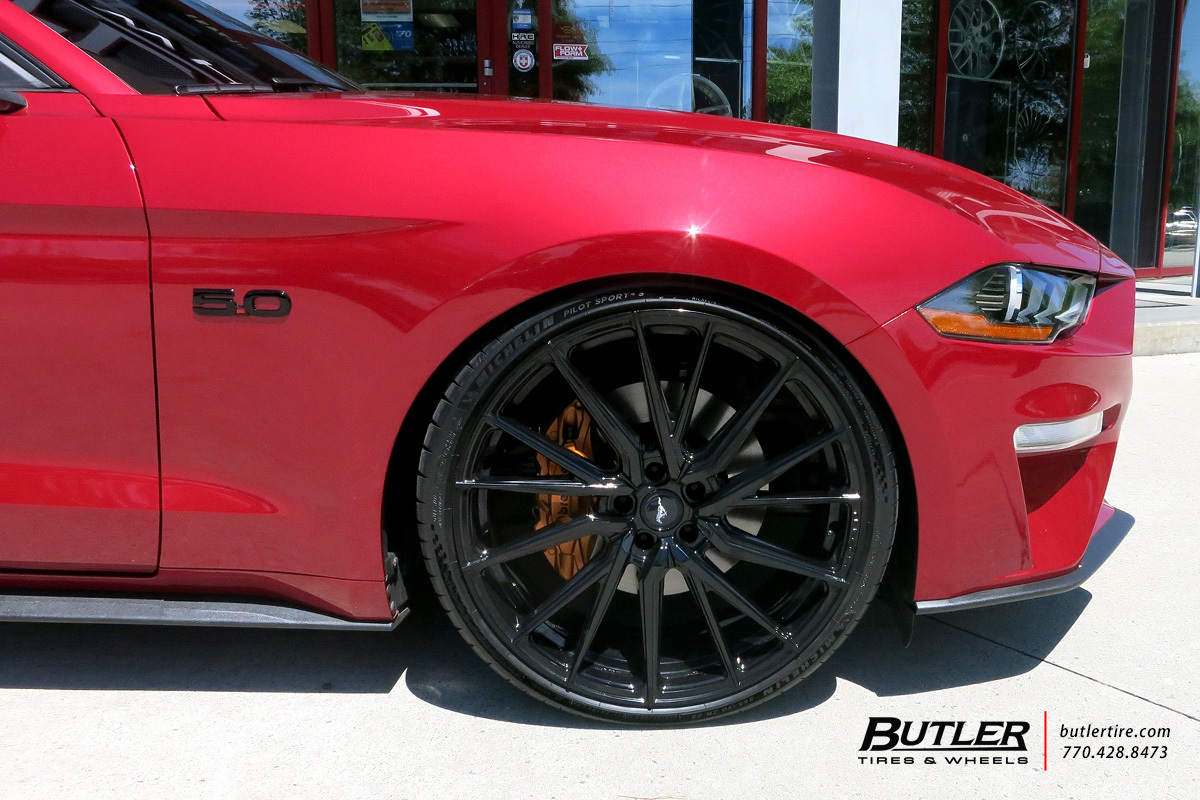 Ford Mustang with 22in Vossen HF-4T Wheels
