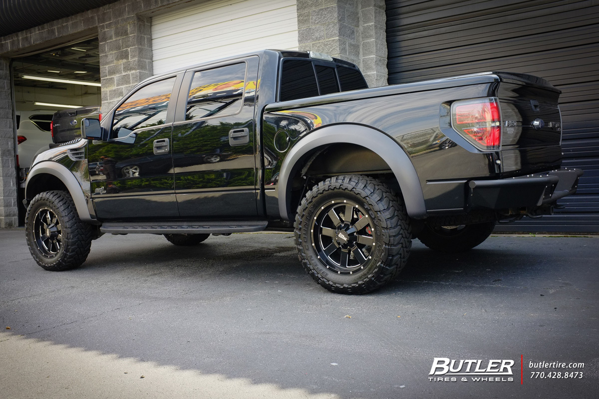 Ford Raptor with 20in Moto Metal 961 Wheels