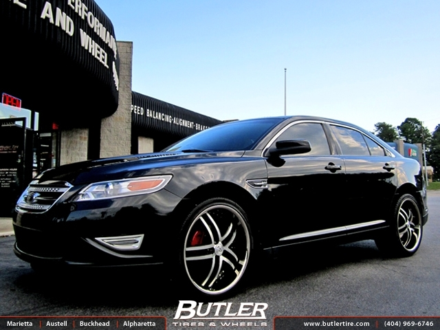 Ford Taurus with 22in Niche Essence Wheels