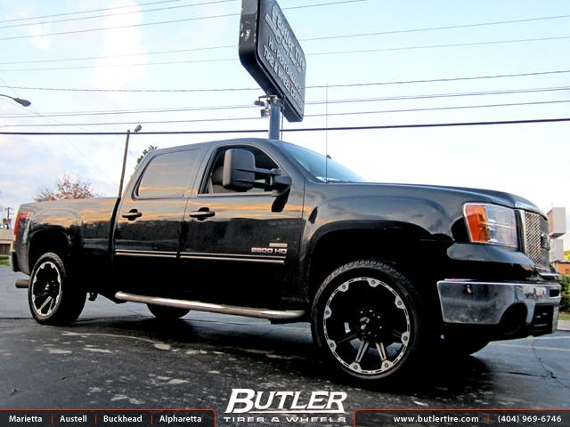 GMC 2500 HD with 22in Dick Cepek Torque Wheels