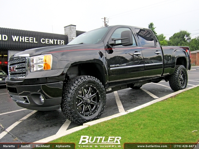 GMC Denali with 20in Fuel Maverick Wheels