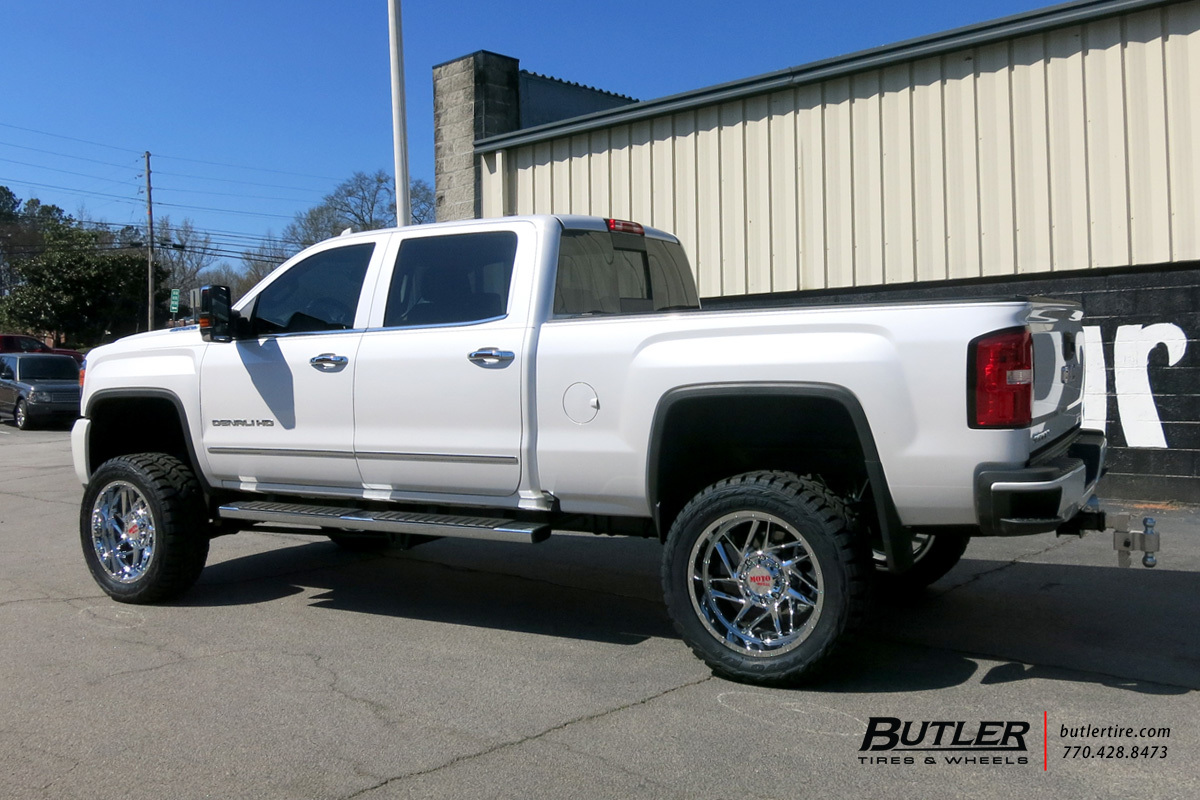 GMC Denali with 20in Hostile Sprocket Wheels