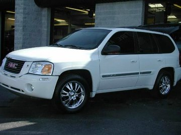 GMC Envoy with 18in DOA Toe Tag Wheels