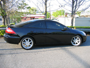 Honda Accord with 18in Axis Se7en Mod Wheels