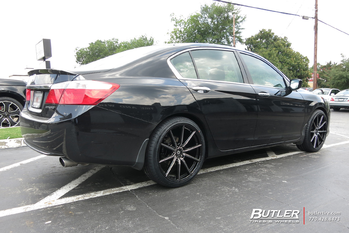 Honda Accord with 20in Lexani CSS10 Wheels