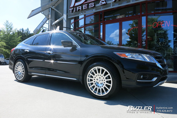 Honda Crosstour with 20in TSW Holeshot Wheels