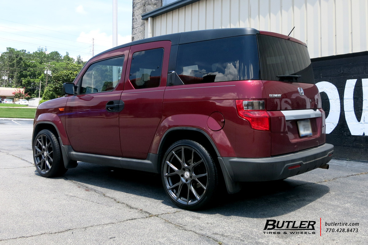 Honda Element with 20in Vossen VFS6 Wheels