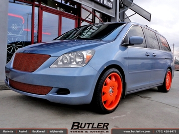 Honda Odyssey with 20in Lexani LX2 Wheels