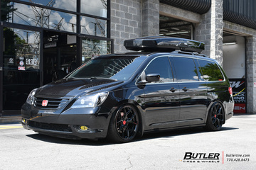 Honda Odyssey with 20in Vossen HF-5 Wheels