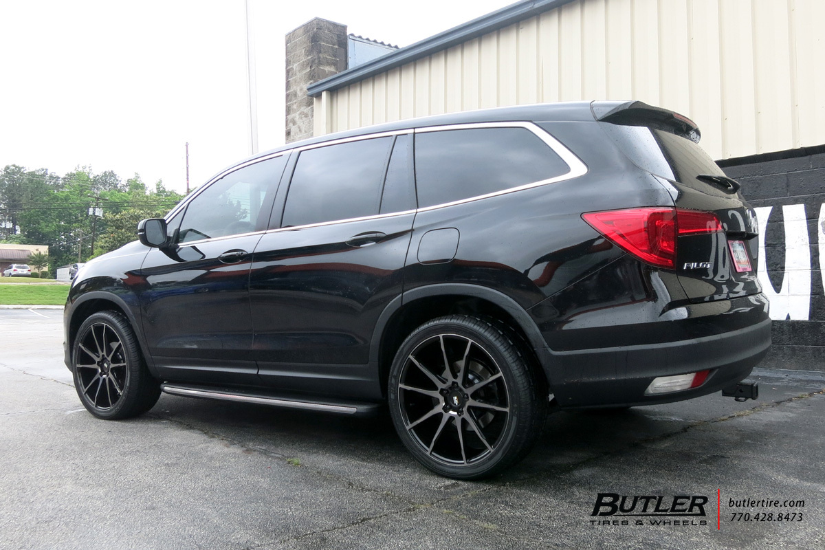 Honda Pilot with 22in Savini BM13 Wheels