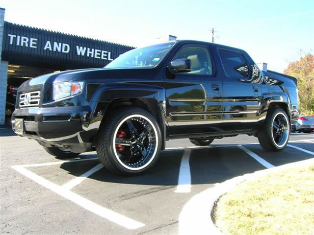 Honda Ridgeline with 22in Driv Moonshine Wheels