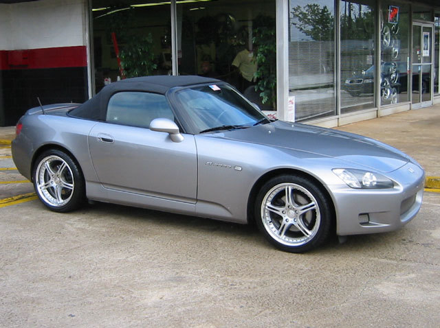 Honda S2000 with 18in SSR GT3 Wheels