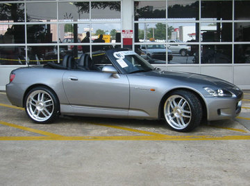 Honda S2000 with 19in Axis NEO Wheels