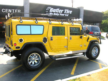 Hummer H1 with 18in Driv Blitz Wheels