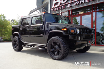 Hummer H2 with 20in XD Rockstar II Wheels