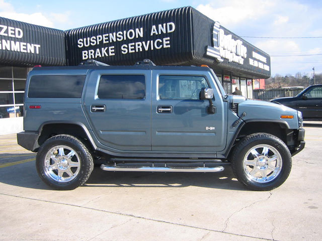 Hummer H2 with 22in ARE Vengence Wheels