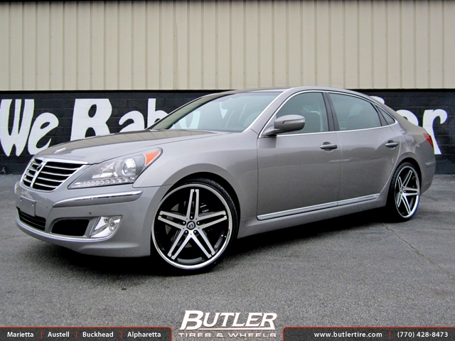 Hyundai Equus with 22in Lexani R-Five Wheels