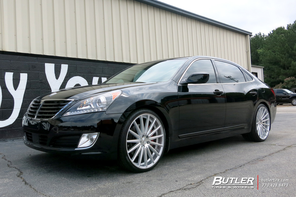 Hyundai Equus with 22in Vossen VFS2 Wheels