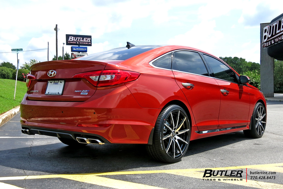 Hyundai Genesis with 20in Lexani CSS15 Wheels