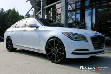 Hyundai Genesis with 22in Savini BM12 Wheels