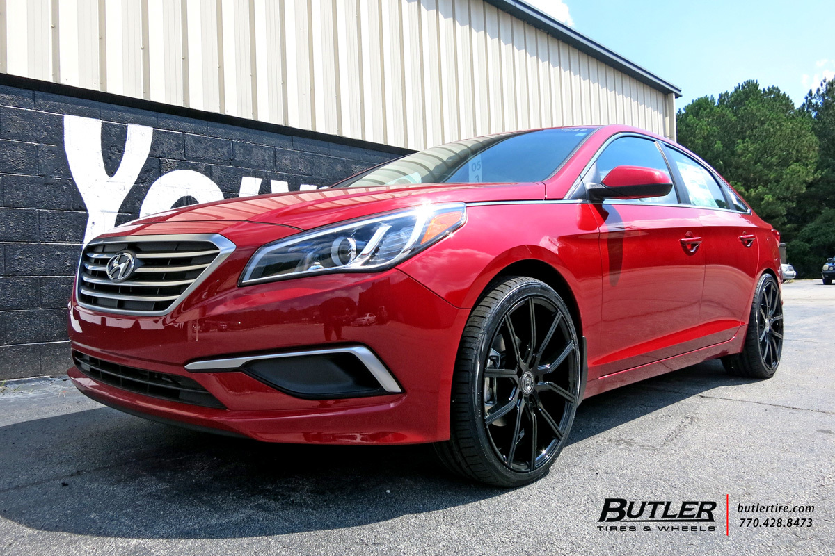 Hyundai Sonata with 20in Lexani Gravity Wheels