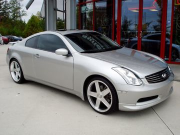 Infiniti G35 with 20in Axis GT-R Wheels
