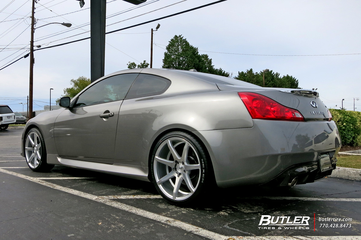 Infiniti G37 with 20in Savini BM10 Wheels