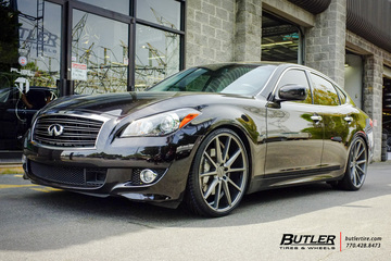 Infiniti M37 with 22in Vossen VFS1 Wheels