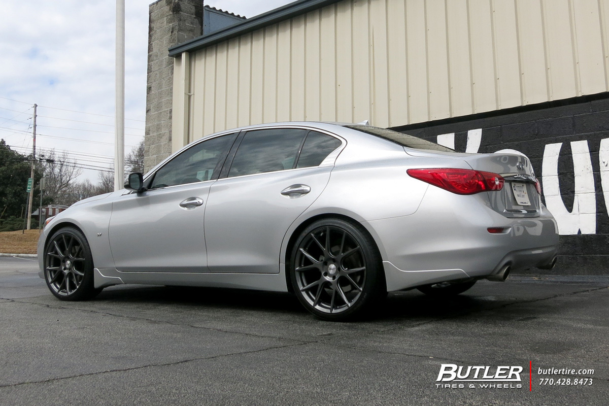 Infiniti Q50 with 20in Vossen VFS6 Wheels