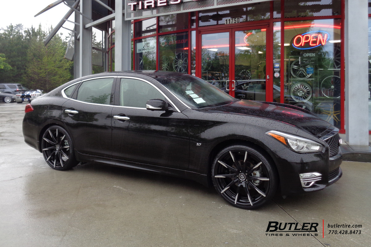 Infiniti Q70 with 22in Lexani CSS15 Wheels