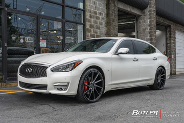 Infiniti Q70 with 22in Savini BM15 Wheels