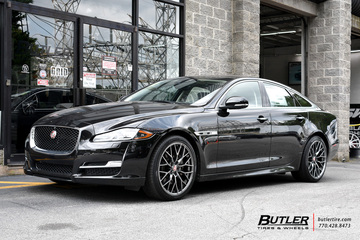 Jaguar XJ with 20in Savini SV-F2 Wheels