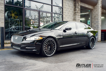 Jaguar XJ with 22in Lexani LF712 Wheels
