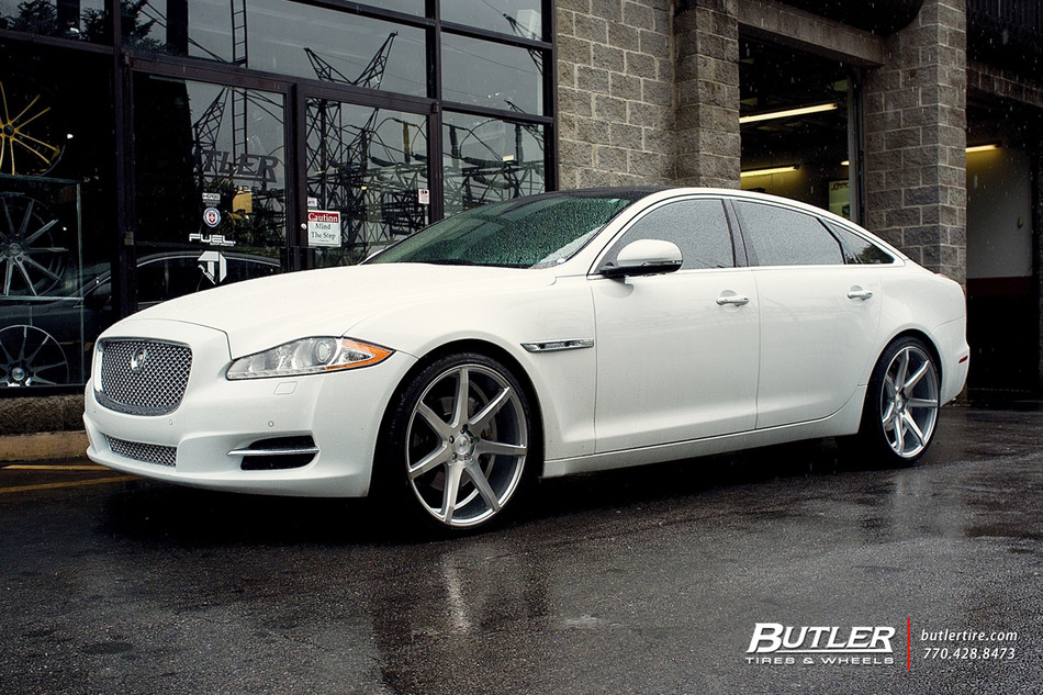 Jaguar XJ with 22in Savini BM10 Wheels exclusively from ...