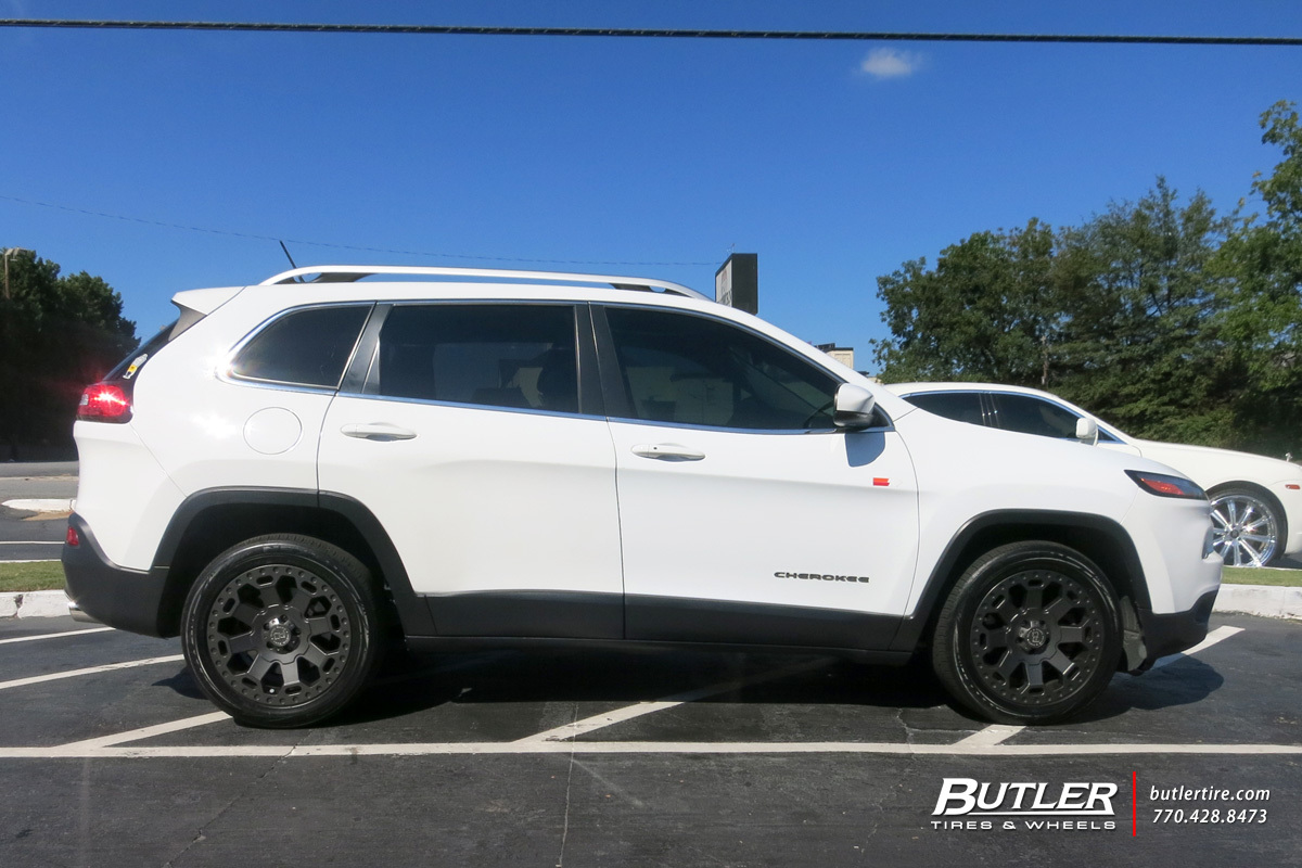 Jeep Cherokee with 18in Black Rhino Warlord Wheels