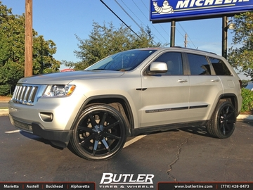 Jeep Cherokee with 22in KMC Slide Wheels