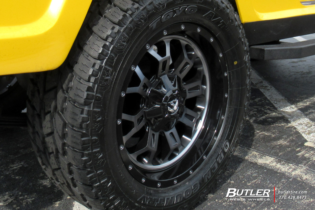 Jeep Commander with 20in Fuel Crush Wheels