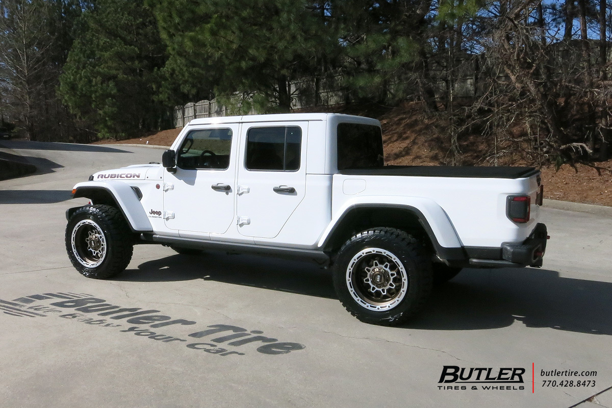Jeep Gladiator with 20in Grid Offroad GD9 Wheels
