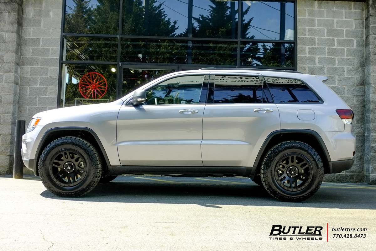 High Quality Jeep Grand Cherokee With 19in Fuel Recoil Wheels