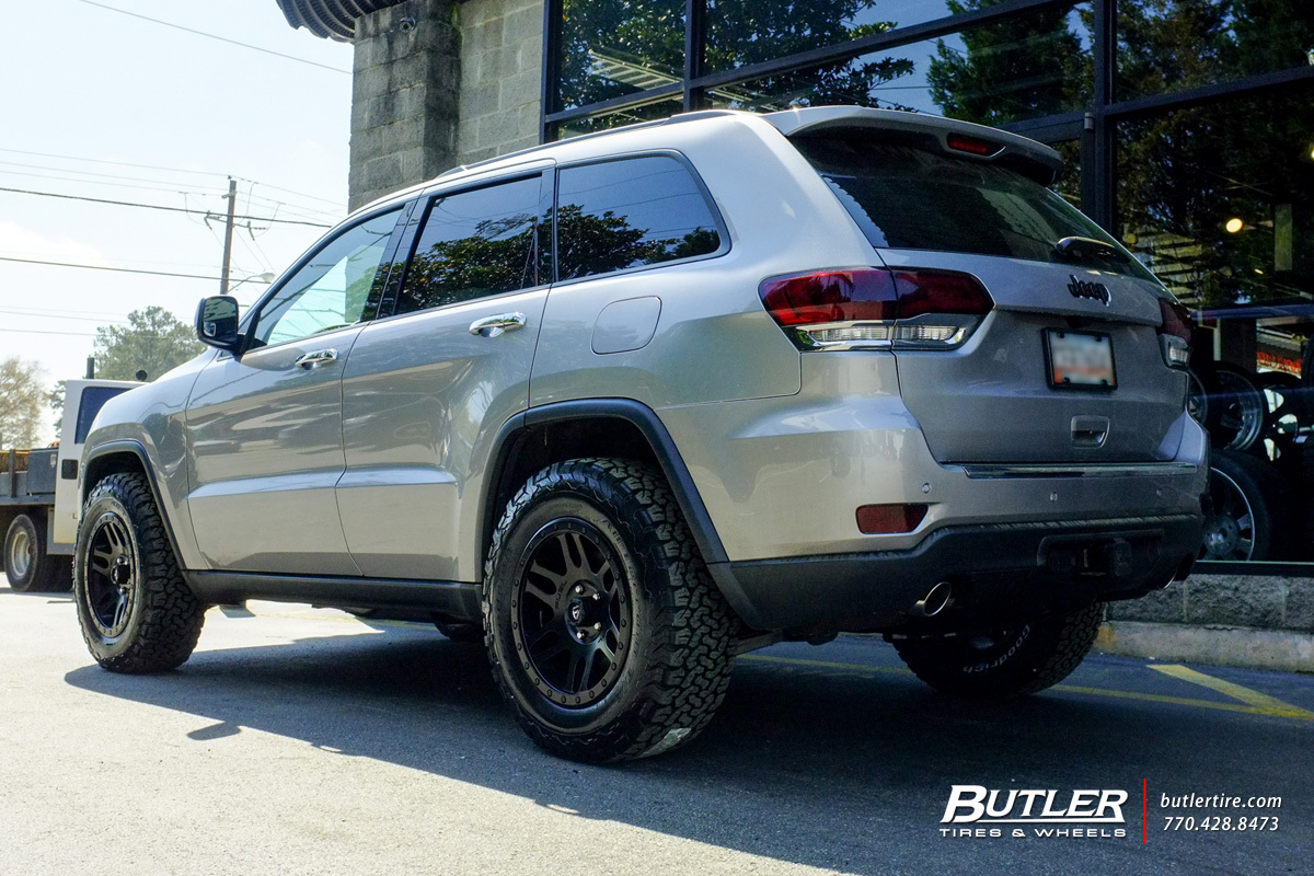 Jeep Grand Cherokee with 19in Fuel Recoil Wheels