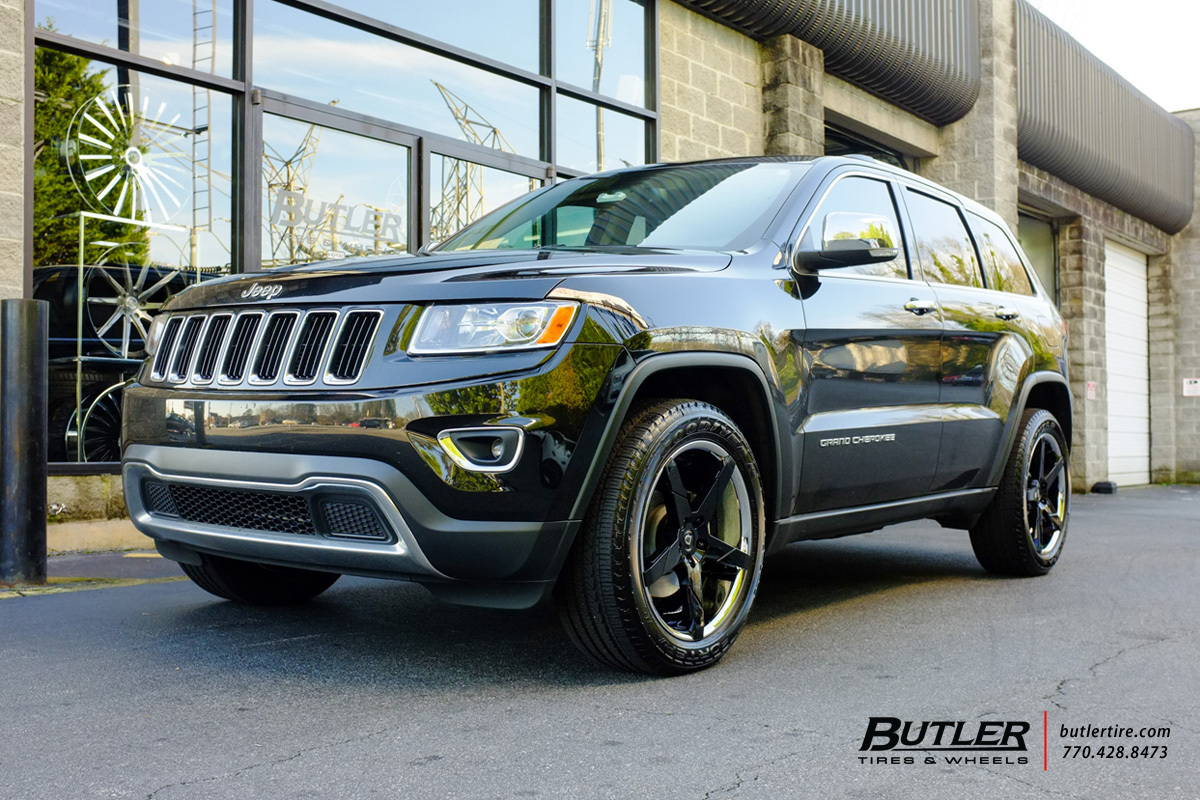 Jeep Grand Cherokee with 20in Lexani Invictus Wheels